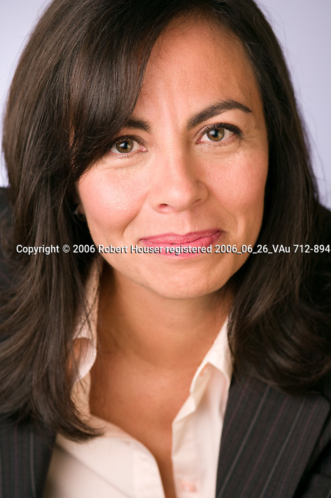 Jones Day photographs Hilda Galvan : Corporate Image Library by San Francisco Bay Area - corporate and annual report - photographer Robert Houser. 2006 pictures.