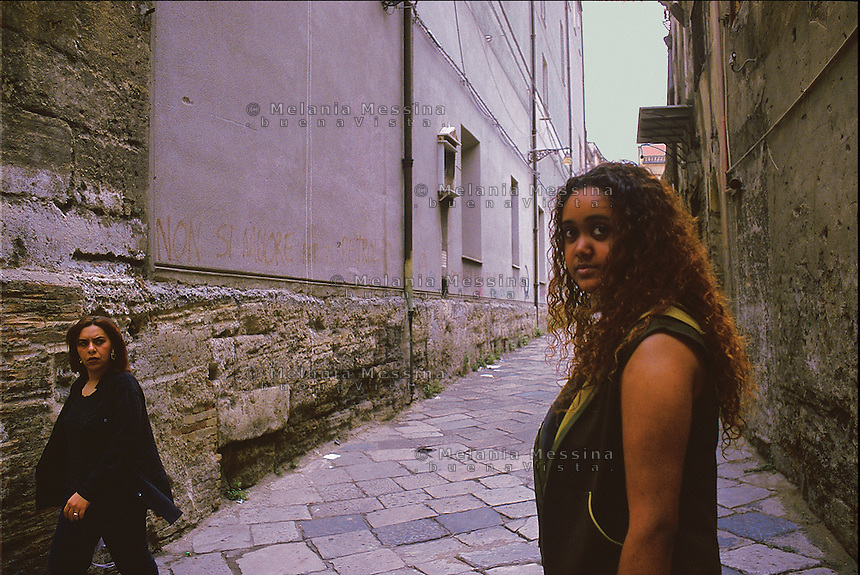 Karen, her parents immigrated in Sicily from Mauritius islands.<br />