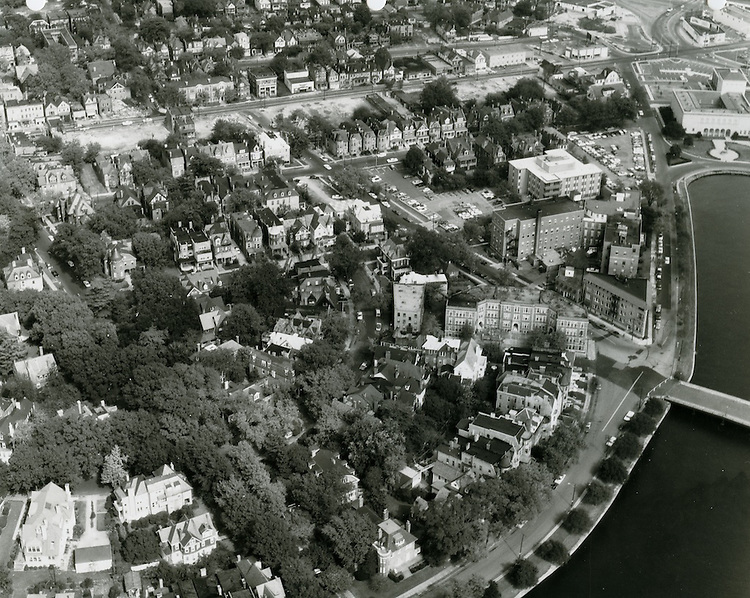 1969 October 13..Conservation.Ghent (R-43)..Looking North Mowbray Arch..HAYCOX PHOTORAMIC INC..NEG# D-22.NRHA#..