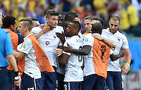 FUSSBALL WM 2014  VORRUNDE    GRUPPE E     Schweiz - Frankreich                   20.06.2014 Olivier Giroud (Mitte, Frankreich) jubelt nach dem 0:1