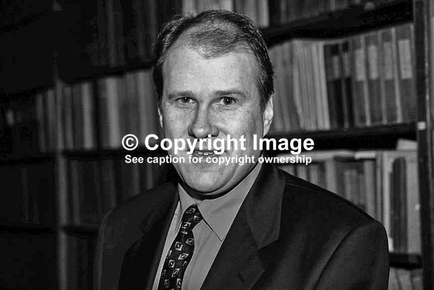 Ivan Yates, Fine Gael, TD, Rep of Ireland, Ref: 199902057..Copyright Image from Victor Patterson, 54 Dorchester Park, Belfast, UK, BT9 6RJ..Tel: +44 28 9066 1296.Mob: +44 7802 353836.Voicemail +44 20 8816 7153.Skype: victorpattersonbelfast.Email: victorpatterson@mac.com.Email: victorpatterson@ireland.com (back-up)..IMPORTANT: If you wish to use this image or any other of my images please go to www.victorpatterson.com and click on the Terms & Conditions. Then contact me by email or phone with the reference number(s) of the image(s) concerned.