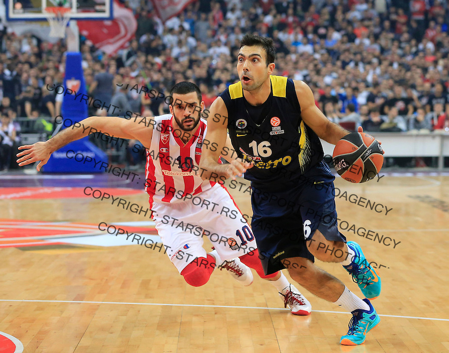 Kosarka Euroleague season 2015-2016<br /> Euroleague <br /> Crvena Zvezda v Fenebahce Istanbul<br /> Kostas Sloukas (R) and Branko Lazic<br /> Beograd, 06.11.2015.<br /> foto: Srdjan Stevanovic/Starsportphoto &copy;
