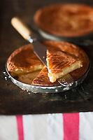 Europe/France/Aquitaine/64/Pyrénées-Atlantiques/Pays Basque/Sare: Gâteau basque -  Musée du Gateau Basque //  France, Pyrenees Atlantiques, Basque Country, Sare: Basque cake at  the Gateau Basque Museum