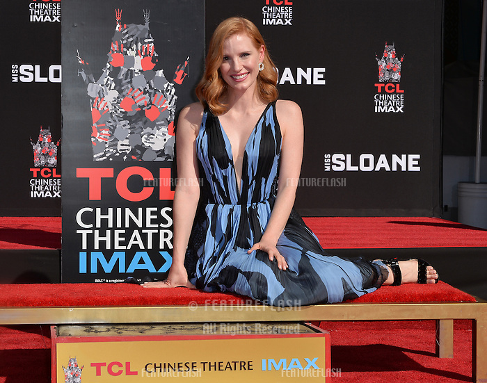 LOS ANGELES, CA. November 3, 2016: Jessica Chastain at hand and footprint ceremony for actress Jessica Chastain at the TCL Chinese Theatre, Hollywood.<br /> Picture: Paul Smith/Featureflash/SilverHub 0208 004 5359/ 07711 972644 Editors@silverhubmedia.com