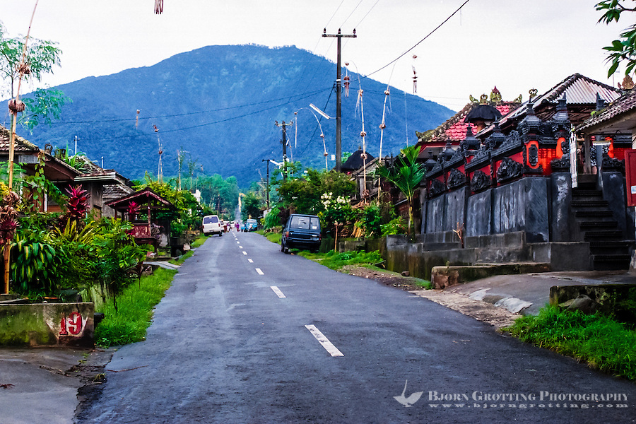 Bali, Tabanan, Batukau. A small village located high up on the southern slopes of Gunung Batukau. The mountain was not visible this day.