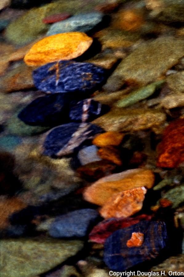 Cascade loop twisp river rock pattern douglas orton imaging for Laying river rock