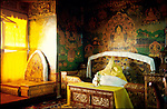 Considered as His Holiness the Dalai Lama bedroom, this room is located in the White Palace, the residential part of the Potala Palace. //// Consid&eacute;r&eacute;e comme la chambre du Dala&iuml; Lama, cette pi&egrave;ce est situ&eacute;e dans le Palais Blanc, partie r&eacute;sidentielle du Potala.