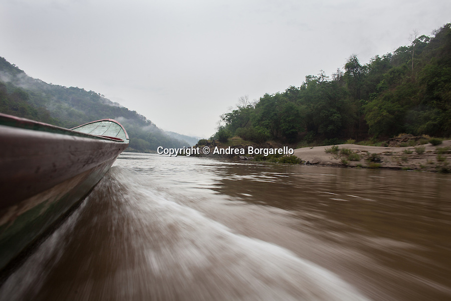 The Salween River, crossing by boat the border between Thailand and the Karen State