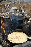 Pannekaker og kaffe på bål ---- Pancakes and coffe on open fire
