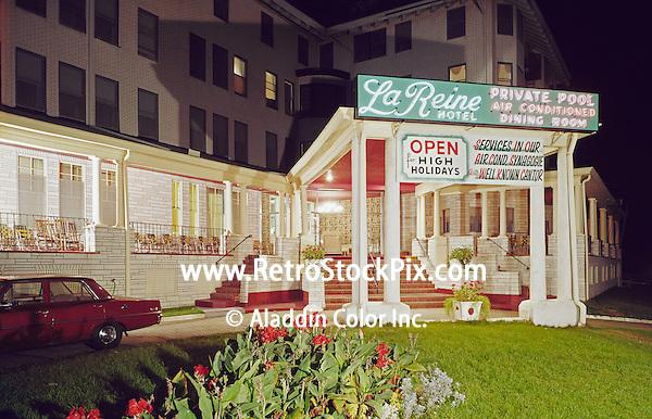 La Reine Hotel - Bradley Entrance - Night