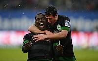 FUSSBALL   1. BUNDESLIGA   SAISON 2012/2013    19. SPIELTAG Hamburger SV - SV Werder Bremen                          27.01.2013 Assani Lukimya (li) und Zlatko Junuzovic (re, beide SV Werder Bremen)  jubeln nach dem 0:1