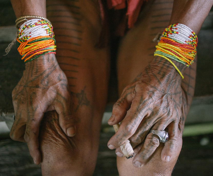 The Mentawai has a tattoo tradition which some people argued its one of the oldest in the world. They use traditional method employing wooden stick and charcoal as the ink. The Mentawai are the tribes living traditionally in the island of Siberut, Indonesia. Here, where the changes came slow, some of the people are still living like their ancestors did centuries ago. They s till practice ancient religion called Arat Sabulungan, which believe that everything in the forest has a spirit.