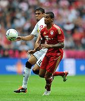 FUSSBALL   1. BUNDESLIGA  SAISON 2011/2012   1. Spieltag FC Bayern Muenchen - Borussia Moenchengladbach           07.08.2011 Igor de Camargo (li, Borussia Moenchengladbach) gegen Luiz Gustavo (re, FC Bayern Muenchen)