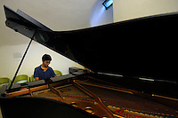 RomeSmarts - Rome Summer Musical Arts..Toyich International Projects in collaboration with the University of Toronto, Canada. The pianist Abby Zhang.