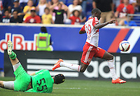 Harrison, NJ. - Tuesday, July 21, 2015: The Philadelphia Union defeated New York Red Bulls 5-4 in penalty-kicks during a US Open Cup quarterfinal match at Red Bull Arena.