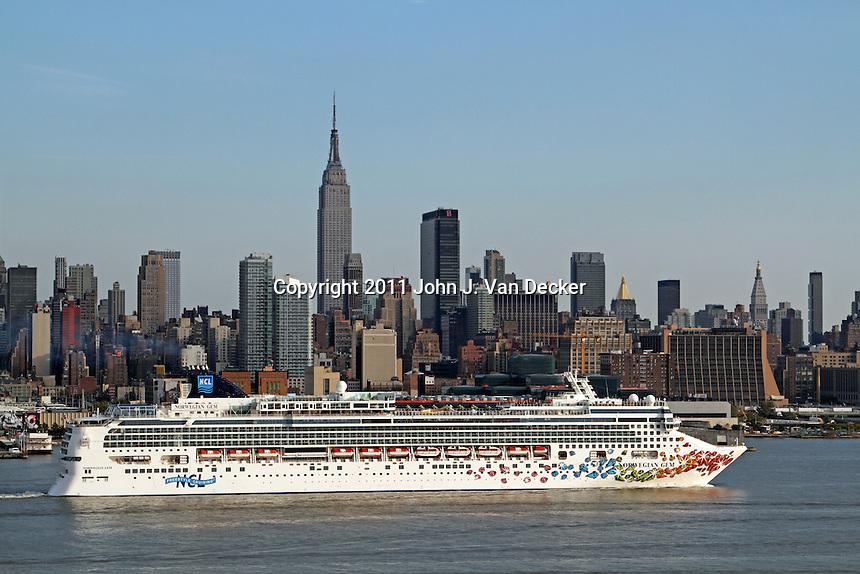 The Cruise Ship Norwegian Gem Steaming Down The Hudson