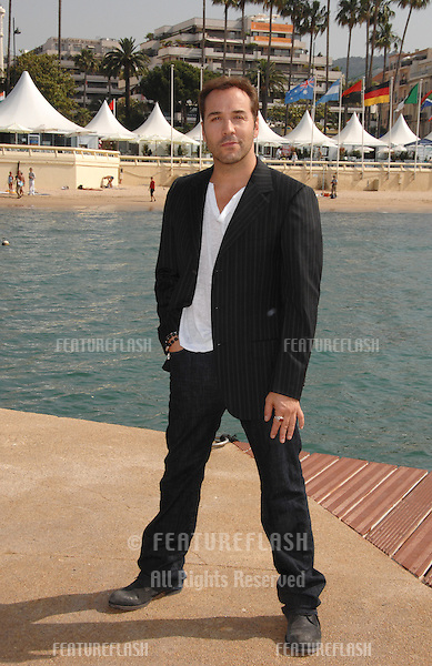 """""""Entourage"""" star Jeremy Piven at photocall at the 60th Annual International Film Festival de Cannes where he's filming an episode of the HBO series """"Entourage."""".May 23, 2007  Cannes, France..© 2007 Paul Smith / Featureflash"""