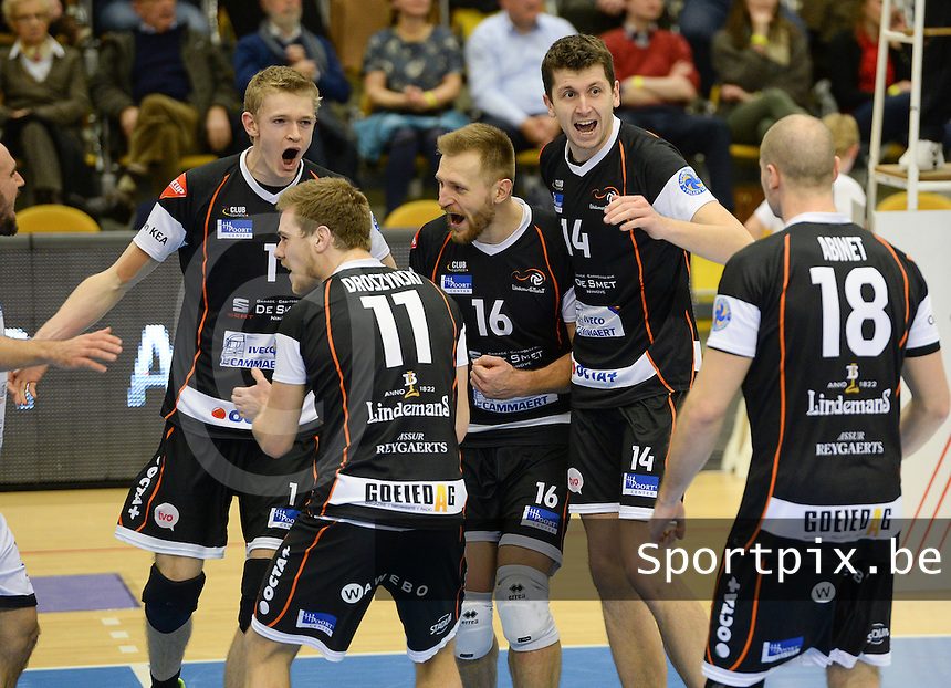 20161228 - ROESELARE ,  BELGIUM : Aalst's Ivan Mihalj (14) pictured celebrating after a point with teammates Lou Kindt (1) and Adrian Staszewski (16) during the second semi final in the Belgian Volley Cup between Knack Volley Roeselare and Lindemans Aalst in Roeselare , Belgium , Wednesday 28 th December 2016 . PHOTO SPORTPIX.BE | DAVID CATRY