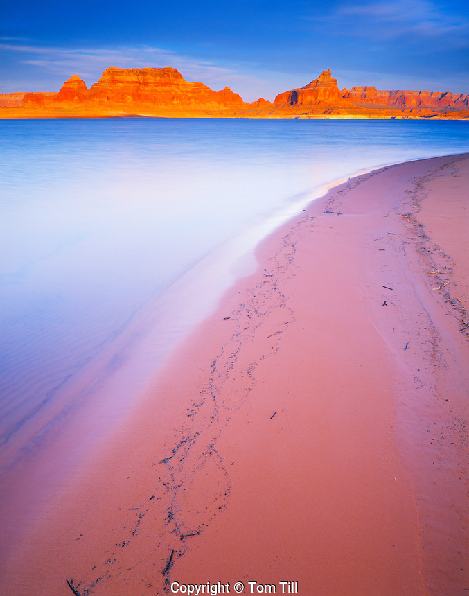 Lake Powell Beach, Glen Canyon National Recreation Area, Arizona    Padre Bay