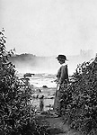 Niagara Falls, New York:  Viewing the Horseshoe Falls from Table Rock - 1914