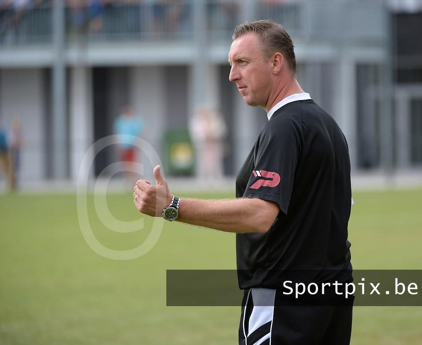 SKV Zwevezele : trainer Henk Sabbe <br /> Foto VDB / Bart Vandenbroucke