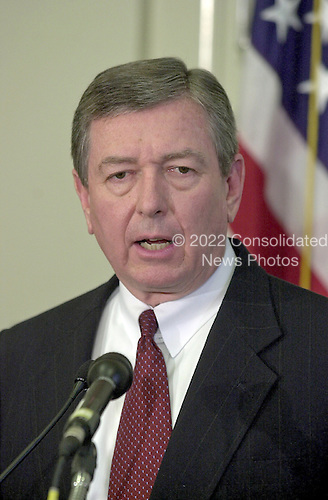 United States Attorney General John Ashcroft holds a press conference in Washington, DC to announce a delay in the Timothy McVeigh execution due to some documents that the FBI did not turn over to the defense team during the trial on May 7, 2001.<br /> Credit: Ron Sachs / CNP