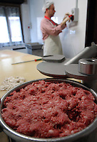 Macelleria a conduzione familiare. Produzione di prodotti tipici della Valchiusella..Butcher family run. Production of typical products of Valchiusella..Drusacco, Vico Canavese, TORINO ...