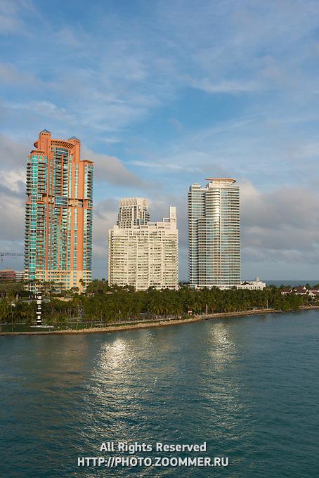 Luxurious Apartment buildings in Miami South Beach near South Pointe Park
