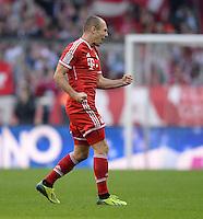 Fussball  1. Bundesliga  Saison 2013/2014  9. Spieltag FC Bayern Muenchen - 1. FSV Mainz     19.10.2013 JUBEL FC Bayern Muenchen; Torschuetze zum 1-1 Ausgleich Arjen Robben