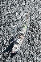 Kieler Woche:EUROPA, DEUTSCHLAND, SCHLESWIG- HOLSTEIN 22.06.2005:Kieler Woche, Artemis.Dreimastbark, Windjammer..Die Artemis wurde 1926 als Schiff für den Walfang gebaut und befuhr jahrelang die nördlichen und südlichen Polarmeere bis nach Spitzbergen und in die Beringsee. In den fünfziger Jahren wurde die Artemis dann zu einem Frachtschiff umgebaut und fuhr fortan hauptsächlich zwischen Asien und Südamerika. In einer aufwändigen Umbau- und Renovierungsphase steht das Schiff jetzt als komfortabler, wunderschön ausgestatteter Passagiersegler zur Verfügung.....Luftaufnahme, Luftbild,  Luftansicht.