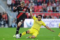 FUSSBALL   1. BUNDESLIGA   SAISON 2011/2012    4. SPIELTAG Bayer 04 Leverkusen - Borussia Dortmund              27.08.2011 Andre SCHUERRLE (li, Leverkusen) gegen Ilkay GUENDOGAN (re, Dortmund)