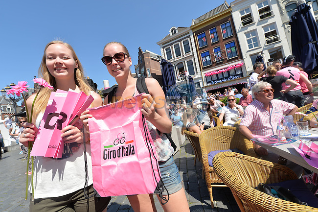 Nijmegen goes pink for the start of Stage 3 of the 2016 Giro d'Italia running 190km from Nijmegen to Arnhem, The Nethrerlands. 8th May 2016.<br /> Picture: ANSA/Alessandro Di Meo | Newsfile<br /> <br /> <br /> All photos usage must carry mandatory copyright credit (&copy; Newsfile | ANSA/Alessandro Di Meo)