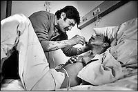 Mémed et Titi, à l'hôpital de Nanterre, 1995..