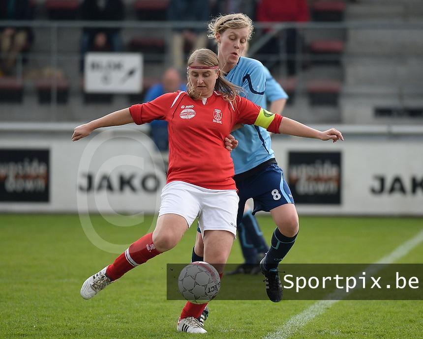 Finale Beker van West-Vlaanderen Dames : FC Menen United - KEG Gistel : Cindy Beerlandt (links) aan de bal voor Noemie Wyseur (rechts)<br /> foto VDB / BART VANDENBROUCKE