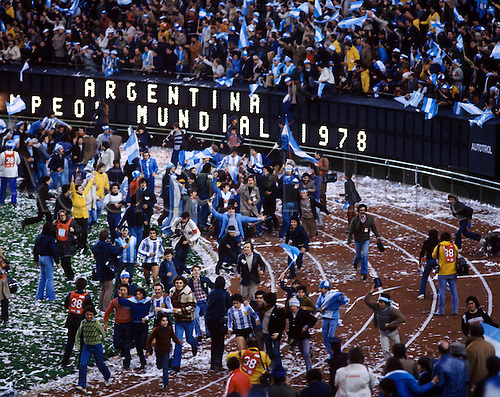 25.06.1978 BuenAires. Argentina lift the 1978 world cup during the final of the 1978 world cup finals Argentina after beating Holland by 3-1