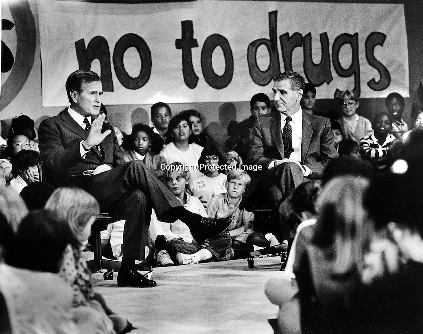President George W. Bush along with California Governor George Deukmejian speaking with kids about say no to drugs. (1986 photo/Ron Riesterer)
