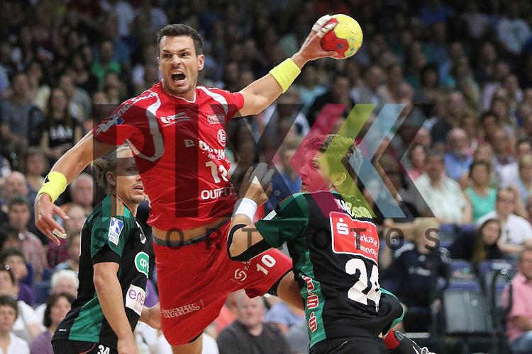 Bremen, 09.08.15, Sport, Handball, Erima-Cup 2015, MT Melsungen-TSV Hannover-Burgdorf : Malte Schr&ouml;der (MT Melsungen, #10), R&uacute;nar K&aacute;rason (TSV Hannover-Burgdorf, #24)<br /> <br /> Foto &copy; P-I-X.org *** Foto ist honorarpflichtig! *** Auf Anfrage in hoeherer Qualitaet/Aufloesung. Belegexemplar erbeten. Veroeffentlichung ausschliesslich fuer journalistisch-publizistische Zwecke. For editorial use only.