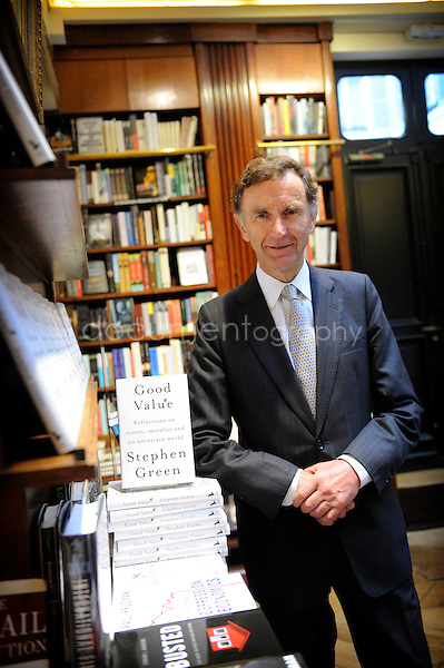 Paris.11/09/09.Stephen Green presenting in new book 'Good Value' at the French book shop Galignani..copyright : Magali Corouge / Documentography