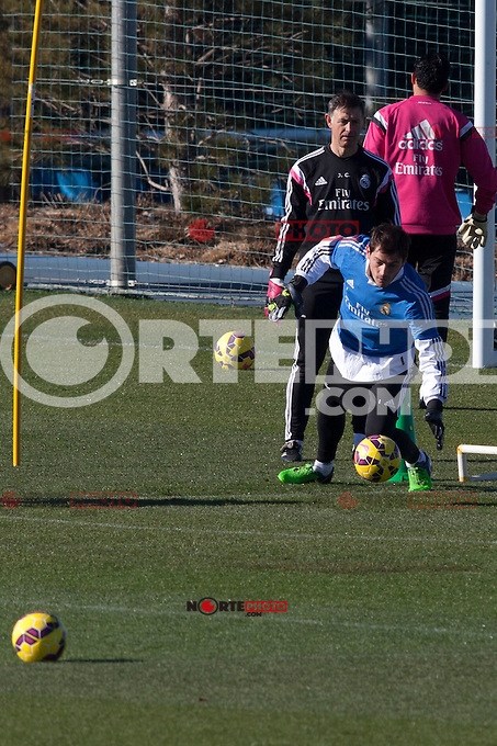 Iker Casillas and Keylor Navas during a sesion training at Real Madrid City in Madrid. January 23, 2015. (ALTERPHOTOS/Caro Marin) /NortePhoto<br />
