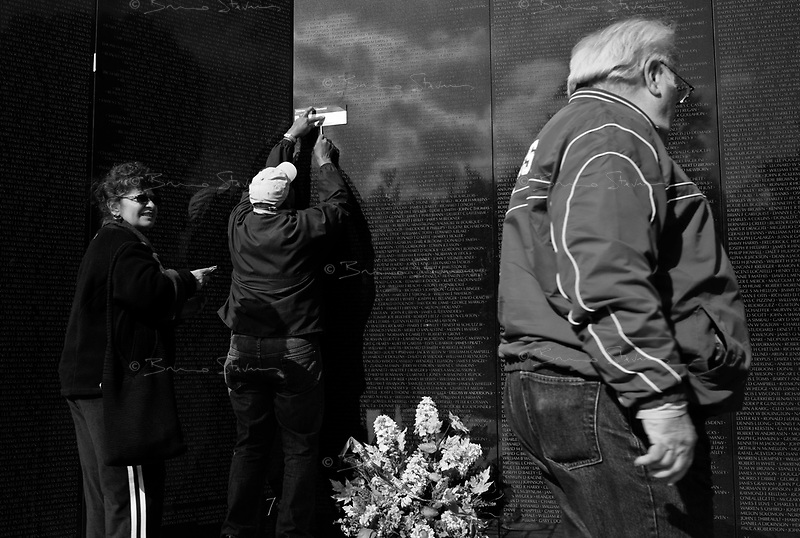 Washington DC, USA, October 23, 2008.The Vietnam Monument, a double granit wall engraved with the names of the nearly 58000 Americans who killed during the war, between 1959 and 1974.