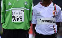 FUSSBALL   1. BUNDESLIGA  SAISON 2012/2013   3. Spieltag FC Augsburg - VfL Wolfsburg           14.09.2012 Brustaufdruck auf dem Trikot: GEH DEIN WEG