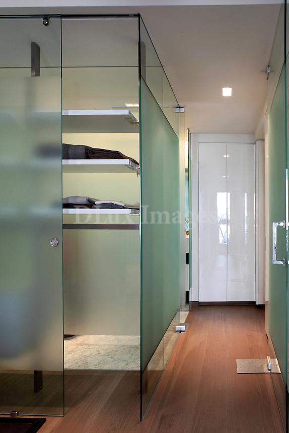 minimal glass closets