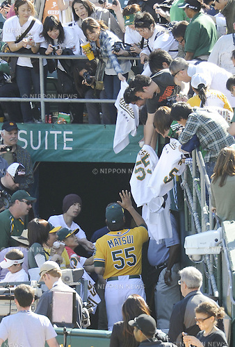 Hideki Matsui (Athletics), APRIL 3, 2011 - MLB : Hideki Matsui of the Oakland Athletics waves to fans as he leaves the field after a game between the Seattle Mariners and the Oakland Athletics at Oakland-Alameda County Coliseum in Oakland, CA, USA. (Photo by AFLO).