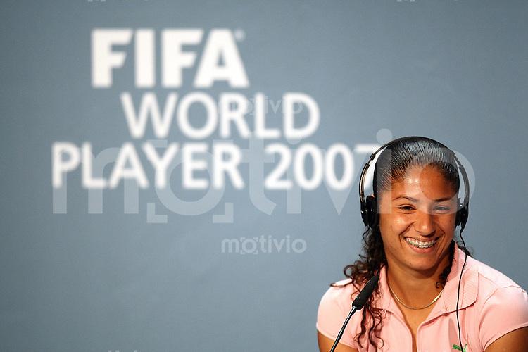 Sport,    Fussball     International    17.12.07 FIFA World Player Gala 2007 CRISTIANE (BRA), waehrend der Pressekonferenz vor der FIFA Women´s World Player 2007 Gala in Zuerich.