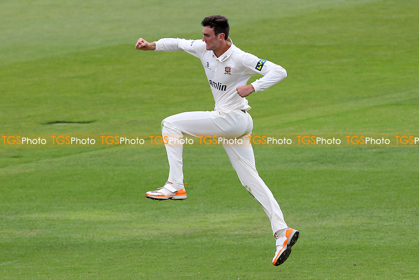 Reece Topley of Essex celebrates the wicket of Will Smith - Hampshire CCC vs Essex CCC - LV County Championship Division Two Cricket at the Ageas Bowl, West End, Southampton - 15/06/14 - MANDATORY CREDIT: Gavin Ellis/TGSPHOTO - Self billing applies where appropriate - 0845 094 6026 - contact@tgsphoto.co.uk - NO UNPAID USE