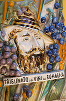 """Europe/Italie/Emilie-Romagne/Castel Guelfo : Plaque célébrant le vin de la province au restaurant """"Locanda Solarola"""""""