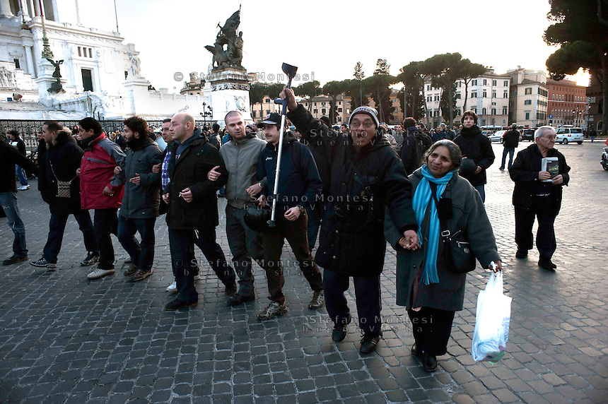 Roma 25 Febbraio 2010.Manifestazione dei movimenti per il diritto alla casa in Campidoglio per protestare contro il piano casa  presentato  dal sindaco Gianni Alemanno.Rome, February 25, 2010.Demonstration of movements for housing rights in the Capitol to protest against housing plan submitted by the Mayor of Rome Gianni Alemanno.