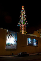 ***Embargoed for; SZ Magazin (Focus) Assignment number #1459, until x-mas 2008***.A communications tower from the Televisa television sudios converted into a massive Christmas tree. Ave. Chapultepec, Mexico DF, Wednesday, Dec. 13, 2007. .****Germany, Switzerland, and Austria Out****