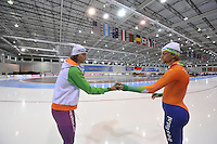 SCHAATSEN: SALT LAKE CITY: Utah Olympic Oval, 14-11-2013, Essent ISU World Cup, training, Gerard van Velde (trainer/coach Team Beslist.nl), Michel Mulder (NED), ©foto Martin de Jong