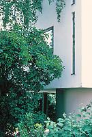 Stuttgart: Le Corbusier. Detail--north side of single family house.